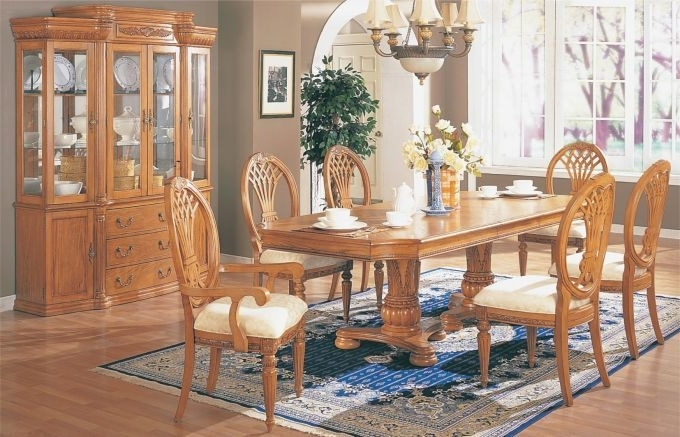 Featured Photo of Light Oak Dining Tables And Chairs