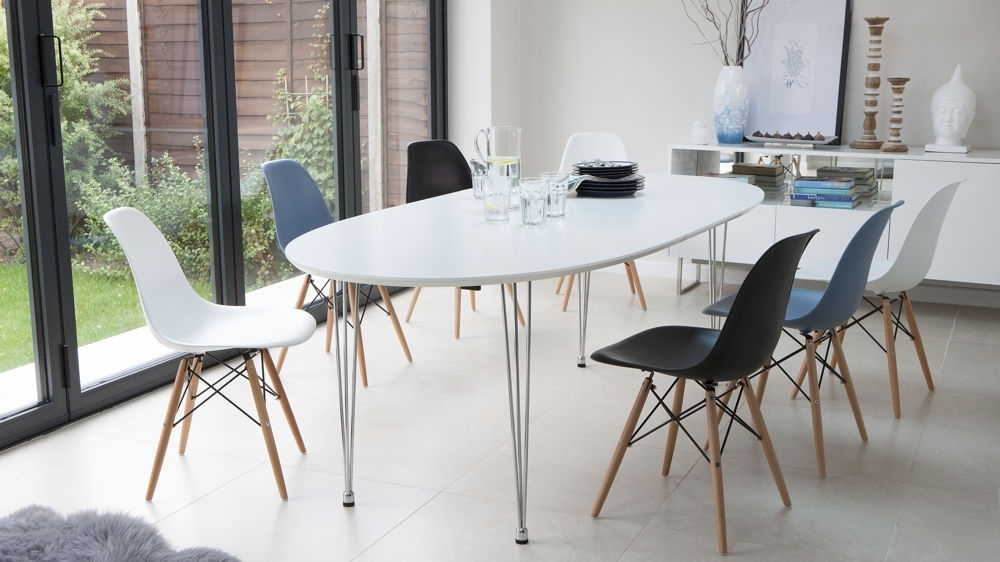 Ellie Oval Extending And Eames Style Dining Set Within Trendy White Oval Extending Dining Tables (View 4 of 20)