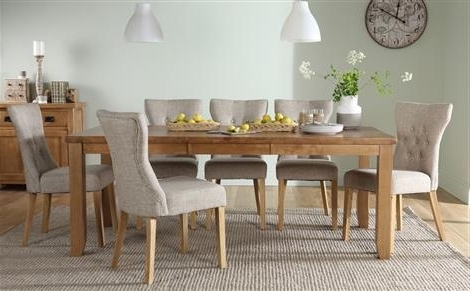 Extending Dining Tables And 8 Chairs Pertaining To Trendy Highbury Oak Extending Dining Table With 8 Chester Chairs (Ivory (View 5 of 20)