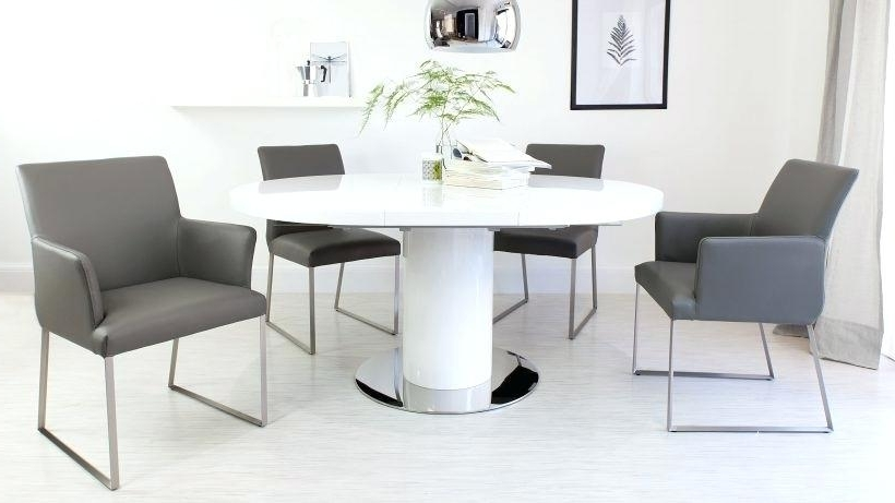 Famous Extendable Round Dining Tables Sets Pertaining To Round Extending Dining Room Table And Chairs Great Extendable Dining (View 15 of 20)
