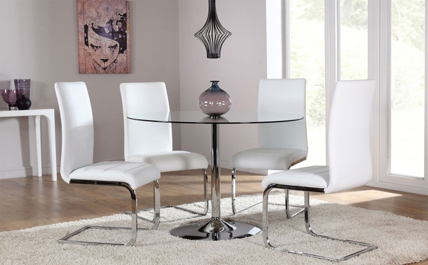 Famous Glass And Chrome Dining Tables And Chairs Intended For 4 Optimal Choices In Glass Dining Table And Chairs – Blogbeen (View 7 of 20)