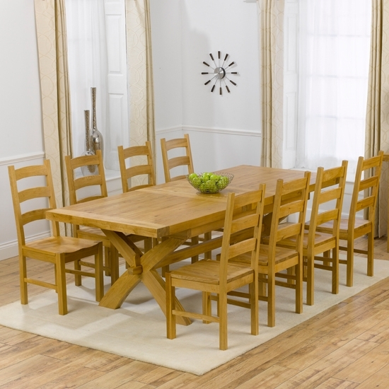 Fashionable Avignon Oak Extending Dining Table And 8 Hannover Timber With Oak Extending Dining Tables And 8 Chairs (View 8 of 20)
