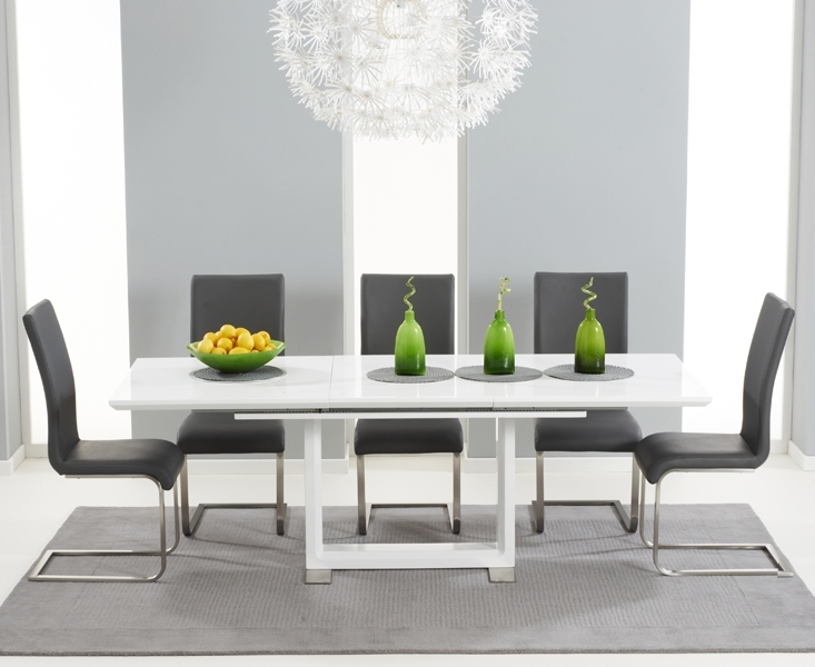 Fashionable Bianco 160cm White High Gloss Extending Dining Table With Malaga Chairs For White Extendable Dining Tables And Chairs (View 18 of 20)