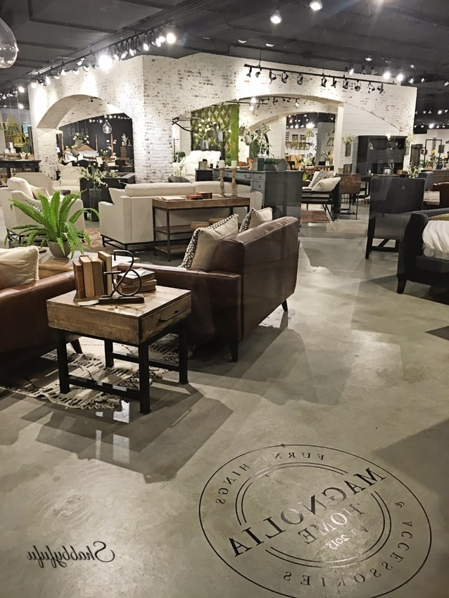 Fashionable Building A Farmhouse Table And Magnolia Homes – Shabbyfufu Inside Magnolia Home Sawbuck Dining Tables (View 7 of 20)