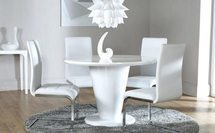 Fashionable Perth White Dining Chairs With Regard To Tokyo White High Gloss Extending Dining Table And 6 Chairs Set Perth (View 4 of 20)