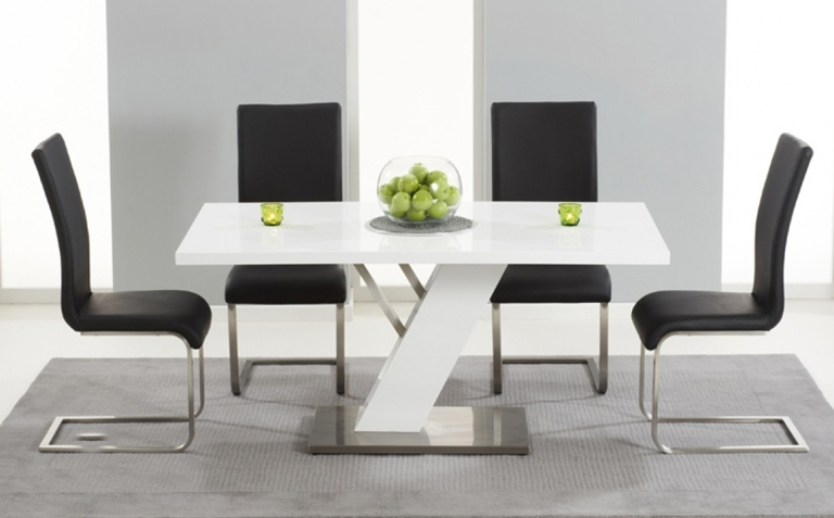 Gloss White Dining Tables And Chairs With Well Known High Gloss Dining Table Sets (View 8 of 20)