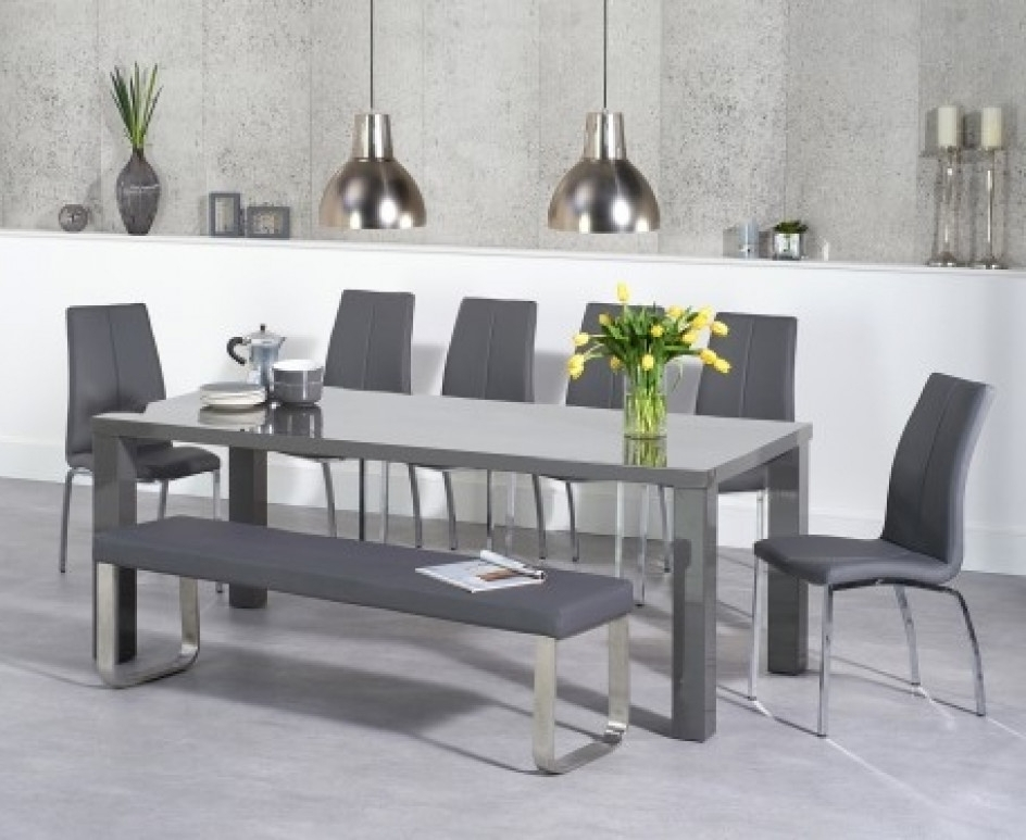 Grey Gloss Dining Tables Throughout Popular Atlanta 200Cm Dark Grey High Gloss Dining Table With Cavello Chairs (Gallery 15 of 20)