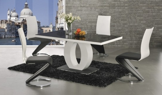 Halo Black Glass And White High Gloss Dining Table Dt 2529Bw Intended For Popular Black Gloss Dining Room Furniture (Gallery 9 of 20)