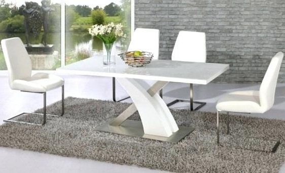 High Gloss Dining Table Sets White Gloss Dining Table And Chairs Throughout Fashionable White High Gloss Dining Tables (View 7 of 20)