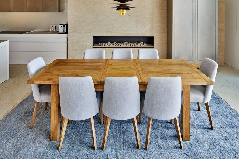 How To Choose An Extension Dining Table Pertaining To Most Recent Bellagio Dining Tables (Gallery 18 of 20)