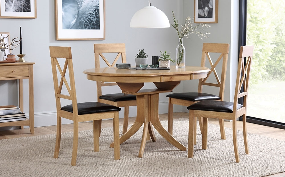 Hudson & Kendal Round Extending Oak Dining Table & 4 6 Chairs Set In Newest Round Extending Oak Dining Tables And Chairs (View 7 of 20)