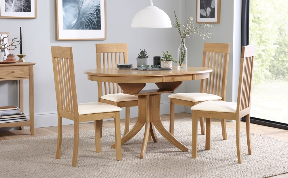 Hudson Round Dining Tables For 2018 Hudson Round Oak Extending Dining Table With 4 Oxford Ivory Chairs (Gallery 18 of 20)