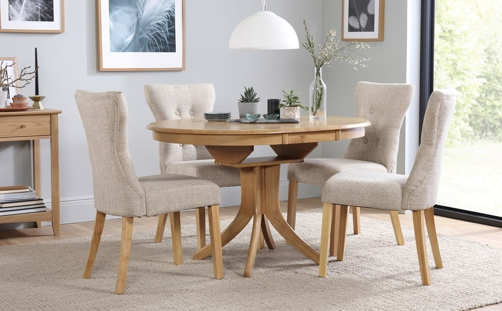 Hudson Round Extending Dining Table & 4 Chairs Set (Bewley Oatmeal Inside Most Popular Extending Dining Tables And 4 Chairs (Gallery 1 of 20)