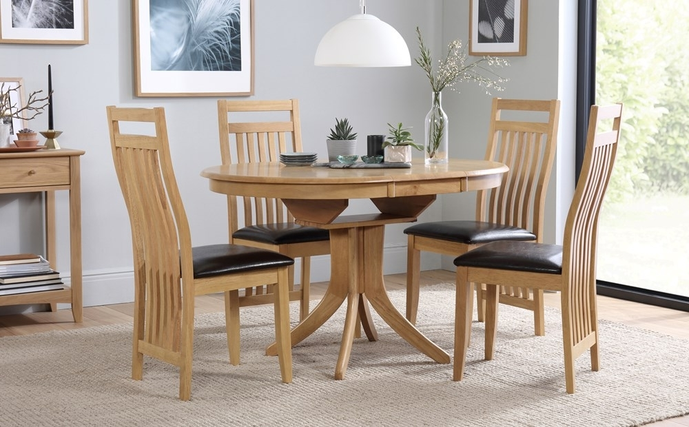 Hudson Round Extending Dining Table And 4 Bali Chairs Set Only Inside Well Liked Oak Extending Dining Tables And 4 Chairs (Gallery 12 of 20)