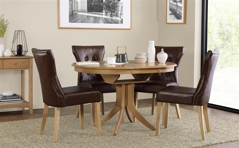 Hudson Round Oak Extending Dining Table With 4 Bewley Club Brown Within Most Popular Round Oak Extendable Dining Tables And Chairs (View 5 of 20)