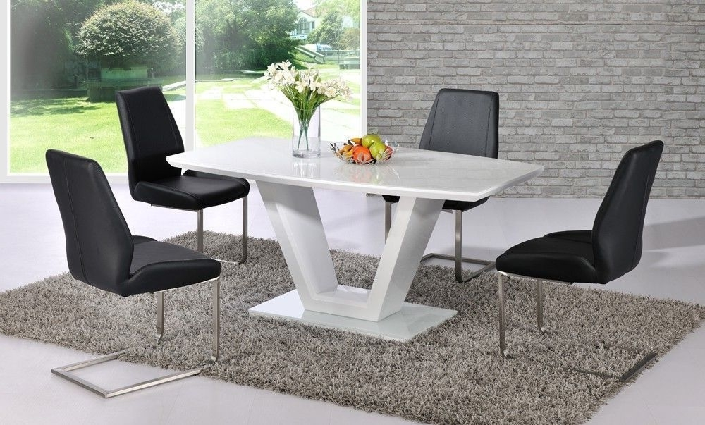 Latest Black Gloss Dining Tables And 6 Chairs Pertaining To White High Gloss Dining Table With Glass Top And 6 Black Chairs (View 10 of 20)