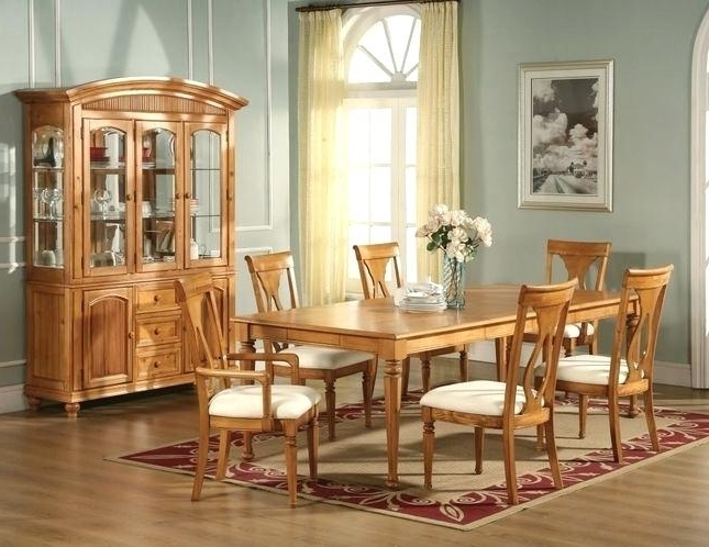 Light Oak Dining Tables And Chairs Throughout Trendy Honey Oak Dining Room Chairs Light Oak Dining Table And Chairs Go To (Gallery 16 of 20)