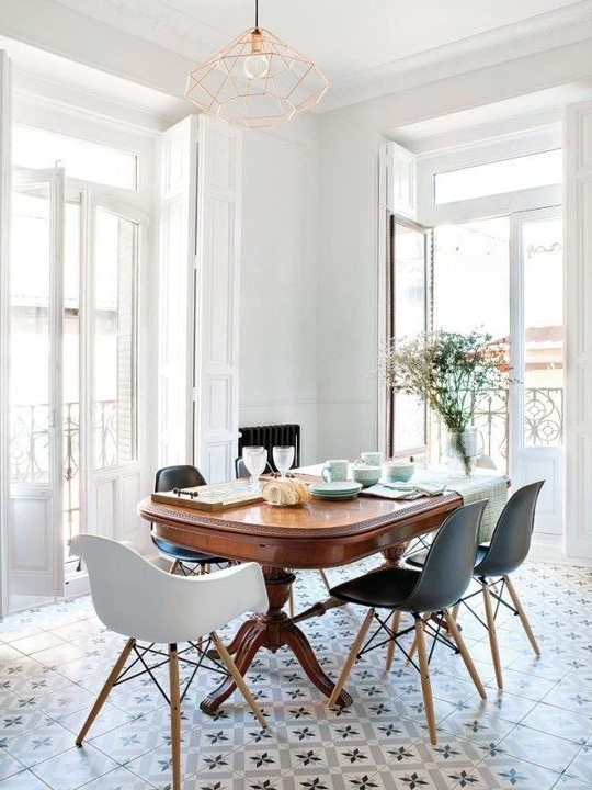 Look We Love: Traditional Table Plus Modern Chairs In 2018 Regarding Famous Modern Dining Tables And Chairs (View 8 of 20)