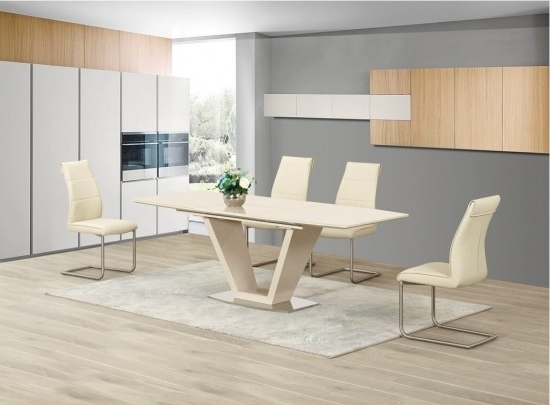 Lorgato Cream High Gloss Extending Dining Table And 6 Zayno Cream With Regard To Most Recently Released High Gloss Cream Dining Tables (Gallery 7 of 20)