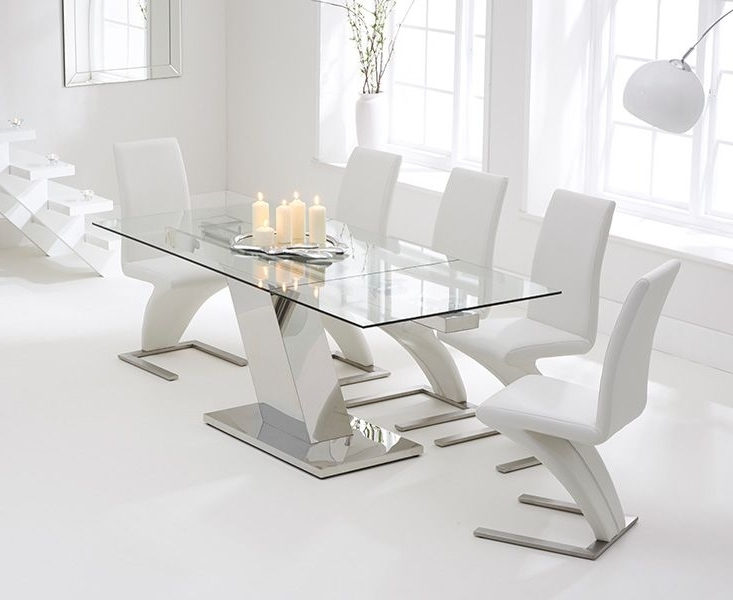 Luna 140Cm Extending Glass Dining Table With Hampstead Z Chairs Pertaining To Well Liked Extendable Glass Dining Tables (View 15 of 20)