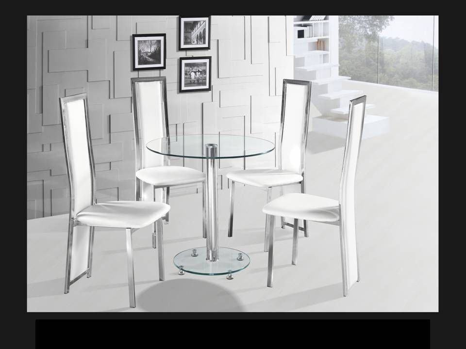 Most Current Round Clear Glass Chrome Dining Table And 4 White Chairs For Clear Glass Dining Tables And Chairs (View 16 of 20)