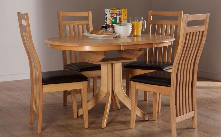 Most Current Round Extending Oak Dining Tables And Chairs Intended For Hudson Extending Dining Table (View 18 of 20)