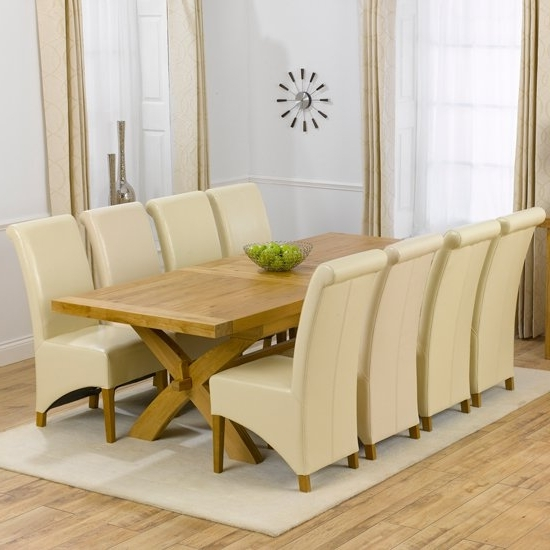 Most Popular Oak Extending Dining Tables Sets Regarding Avignon Solid Oak Extending Dining Table And 8 Barcelona (View 10 of 20)