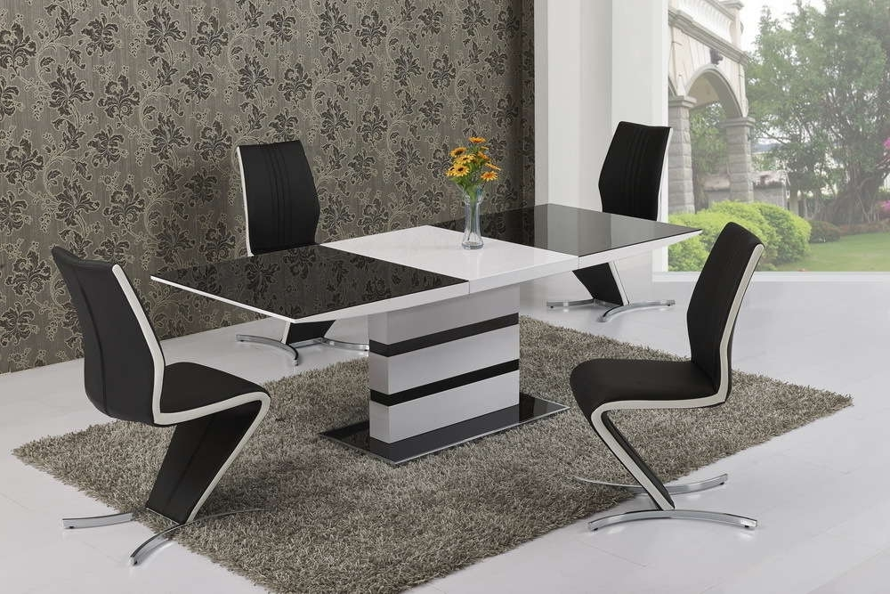 Most Recent Large Extending Black Glass White Gloss Dining Table And 6 Chairs Intended For Black Gloss Dining Room Furniture (View 17 of 20)