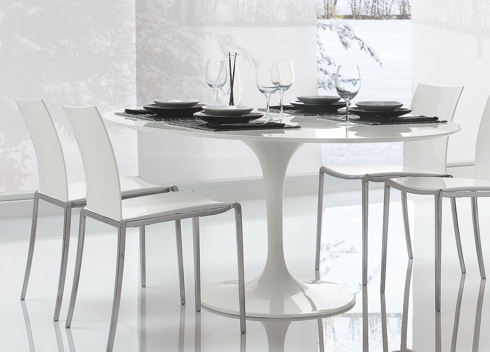 Most Recent White Circle Dining Tables Throughout Saarinen Tulip Round Dining Table (View 9 of 20)