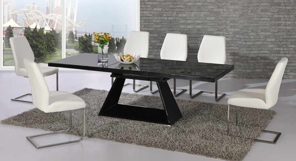 Most Recently Released Black Glass Extending High Gloss Dining Table And 6 White Chairs Intended For Black Gloss Extending Dining Tables (View 15 of 20)