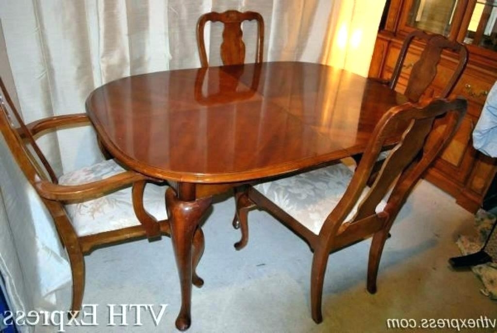Most Recently Released Second Hand Oak Dining Chairs Pertaining To Used Dining Furniture – Mumbly World (View 8 of 20)