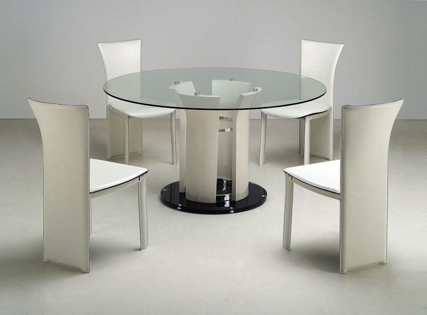 Most Recently Released Sleek Dining Tables For Sleek Round Glass Dining Tables That Make A Stylish Impression (View 7 of 20)