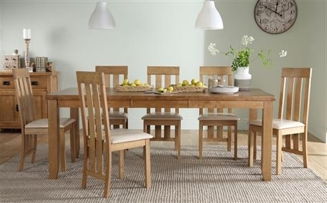Most Up To Date Extending Dining Tables And 8 Chairs Intended For Highbury Oak Extending Dining Table With 8 Bewley Oatmeal Chairs (View 14 of 20)