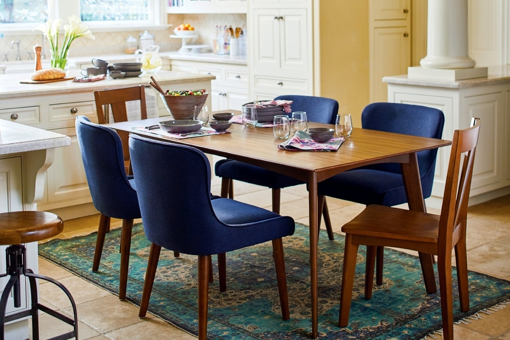 Newest Market 6 Piece Dining Sets With Side Chairs Intended For How To Choose The Right Dining Table For Your Home – The New York Times (Gallery 19 of 20)