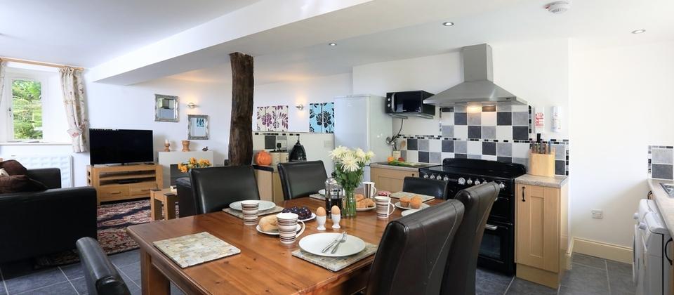 Newest Partridge 6 Piece Dining Sets Inside Partridge Cottage – Kingsbridge, Devon – Blue Chip Holidays (View 10 of 20)