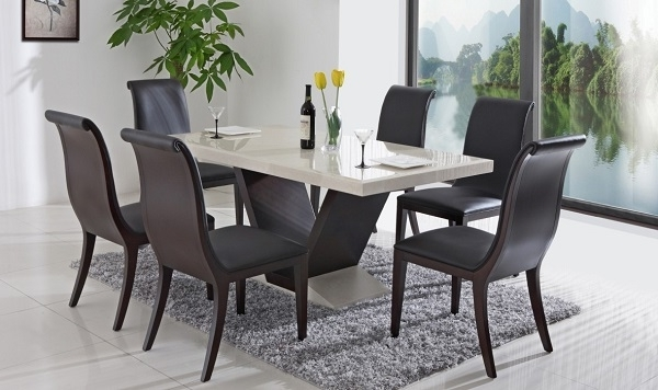 Newest Stylish Yet Functional Italian Dining Tables With Regard To Italian Dining Tables (View 17 of 20)