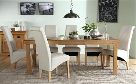 Oak Dining Tables And 8 Chairs Regarding Most Popular Table With 8 Chairs Oak Extending Dining Table With 8 Cream Chairs (Gallery 20 of 20)