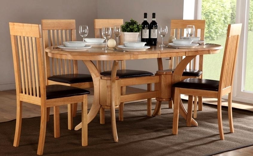 Oval Extending Dining Tables And Chairs Intended For Well Liked Fabulous Oval Oak Dining Table Chairs Oval Extending Dining Table (View 7 of 20)