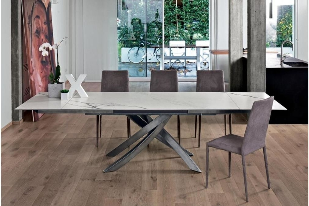 Popular Dining Tables (View 18 of 20)