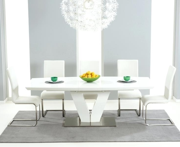 Popular High Gloss Dining Table Sets High Gloss Extending Dining Table Sets Pertaining To Gloss Dining Set (View 15 of 20)