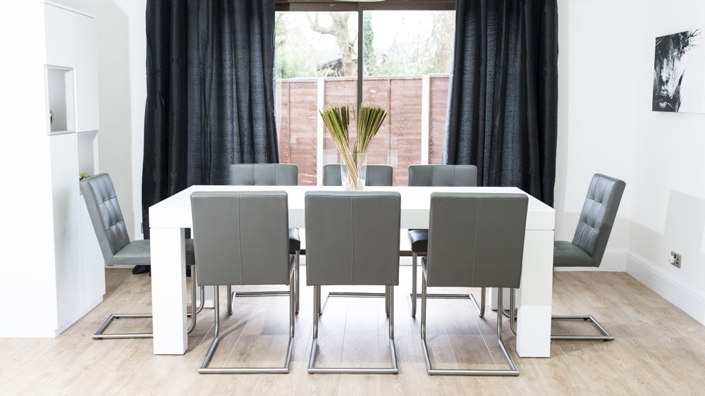Popular Modern Dining Table And Chairs With Modern White Oak Dining Table (View 13 of 20)