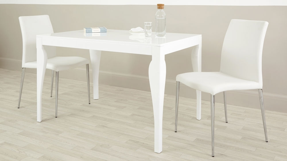 Popular Small 4 Seater Dining Tables Inside Modern 4 Seater Dining Table (View 9 of 20)