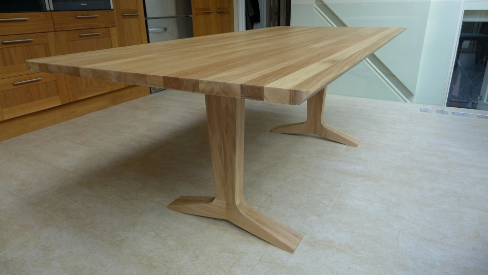 Popular Solid Oak Dining Table – Style Within Pertaining To Solid Oak Dining Tables (View 11 of 20)