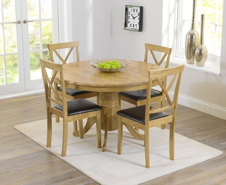 Preferred Elstree 120Cm Oak Round Dining Table + 4 Chairs – Swagger Inc With Oak Round Dining Tables And Chairs (View 10 of 20)