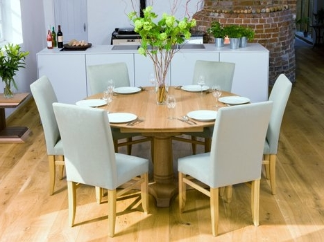 Preferred Round Dining Tables Extends To Oval With Regard To Round Dining Table And Oval Di Round Extending Oak Dining Table And (View 7 of 20)