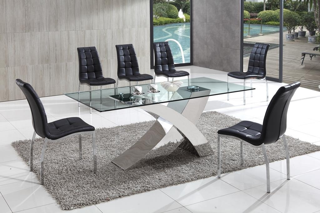 Recent Decorative Ideas For A Glass Dining Table (View 17 of 20)