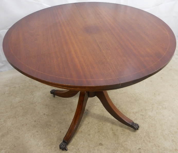 Regency Style Round Mahogany Extending Dining Table To Seat Six Inside Best And Newest Mahogany Extending Dining Tables And Chairs (Gallery 7 of 20)