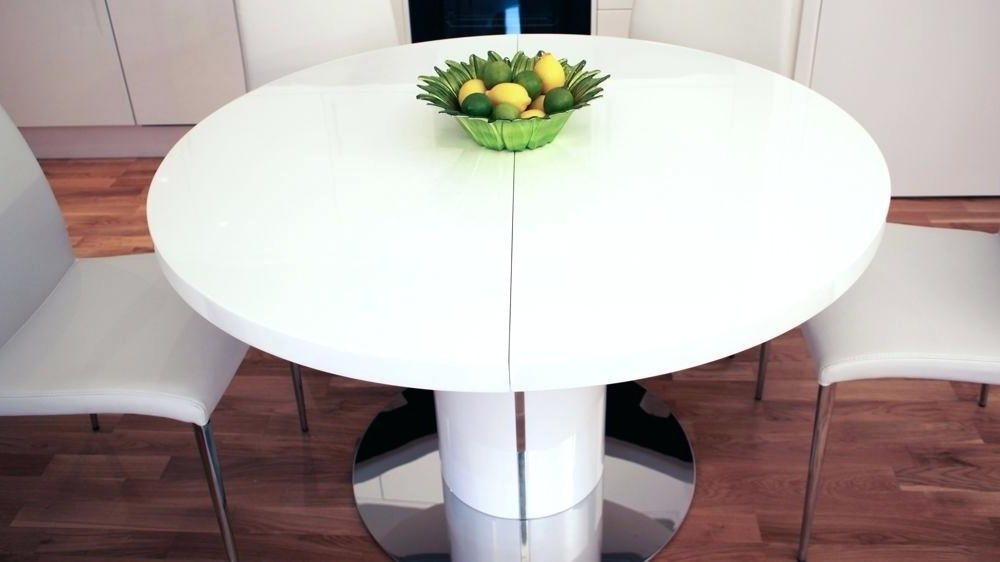 Round Pedestal Extending Dining Table Extendable Dining Table Round In Newest Round Extendable Dining Tables (View 17 of 20)