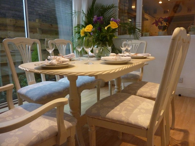 Shabby Chic Extendable Dining Tables Inside Most Recent Shabby Chic Extending Dining Table With 6 Chairs Painted Vintage (View 2 of 20)