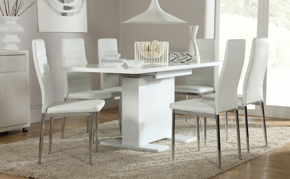 Small White Extending Dining Tables Inside Newest Osaka White High Gloss Extending Dining Table And 6 Chairs (Lunar (View 13 of 20)